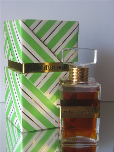 Robe d'un soir perfume