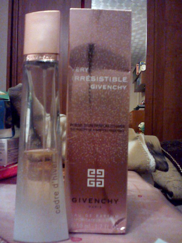 Very Irresistible Poesie D Un Parfum D Hiver Cedre D Hiver Givenchy